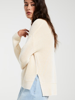 Peachy V Neck Knit